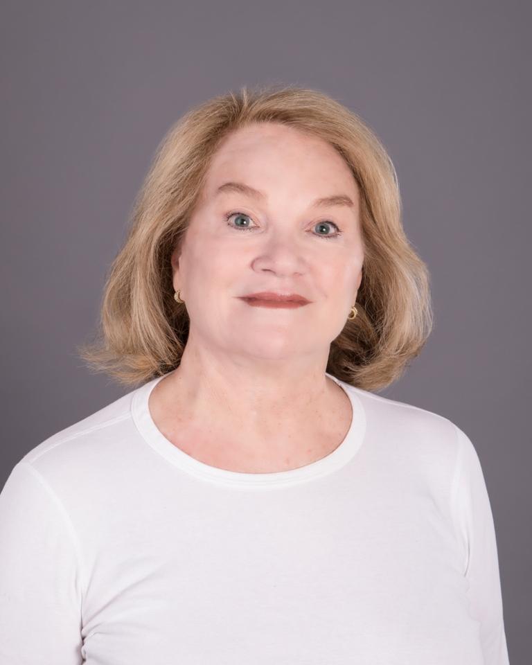 Carolyn Roberts profile image