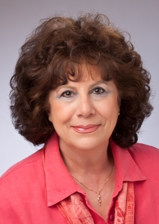 Lynn Creighton-Freeland profile image