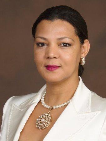 Amina Knutson profile image