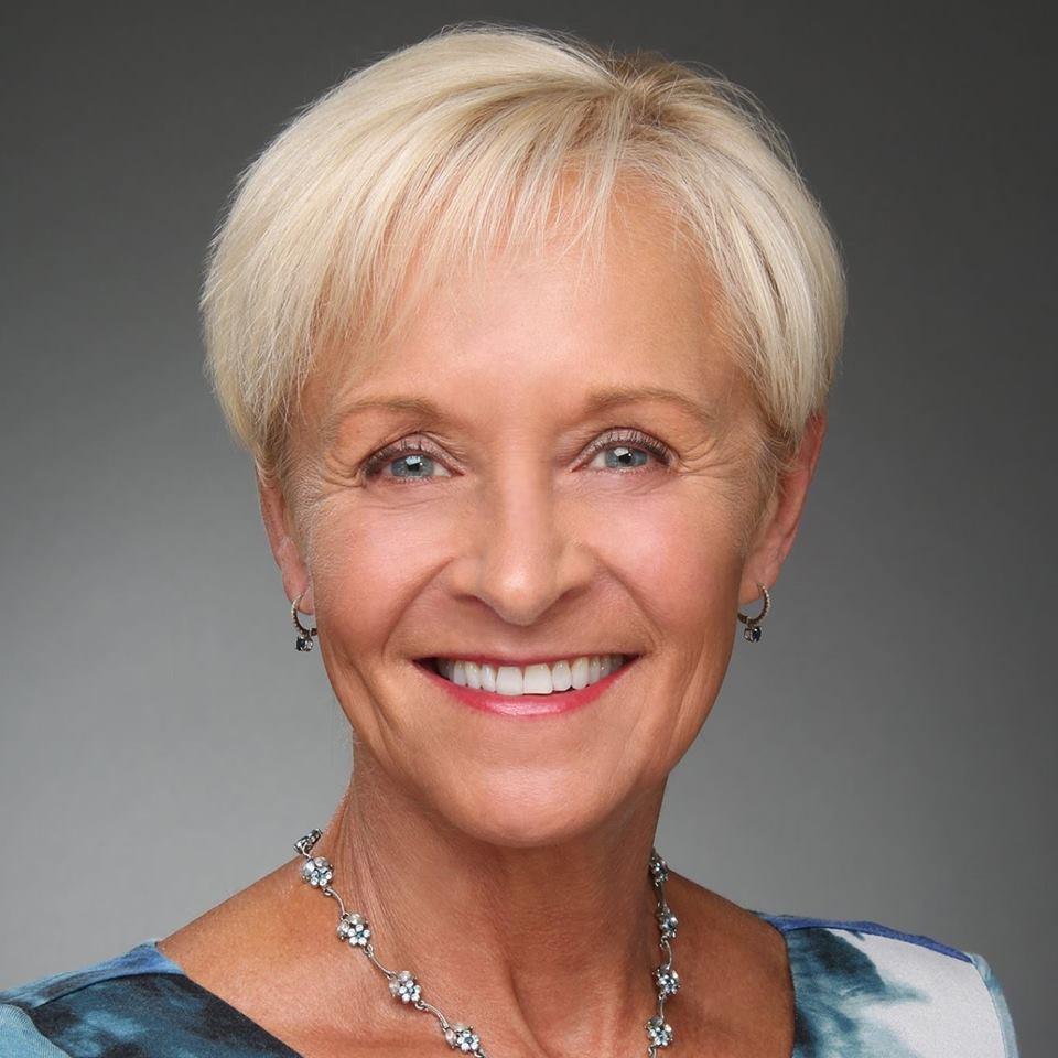 Laura L Clements profile image