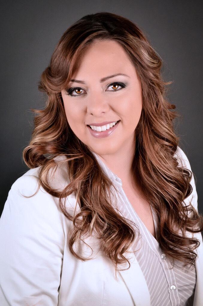 Nora Aguirre profile image
